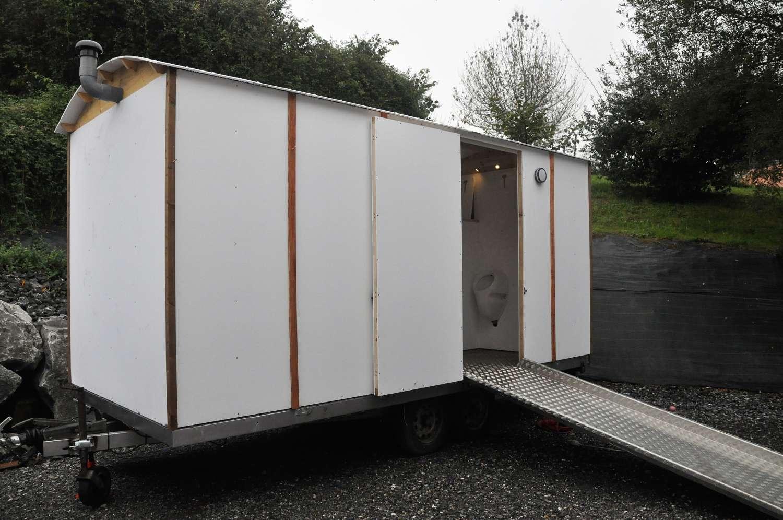toilette sèche mobile par Terra Preta Sanitaires
